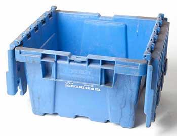 blue plastic tote pan w lid